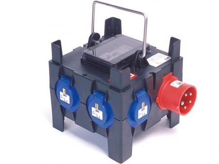 pce boitier 32a tri 6 x16a mono 6 dpn 16a 450x338 - Location de boitier électrique : PCE • BOITIER 32 A TRI = 6 X 16 A MONO + 6 DPN 16 A