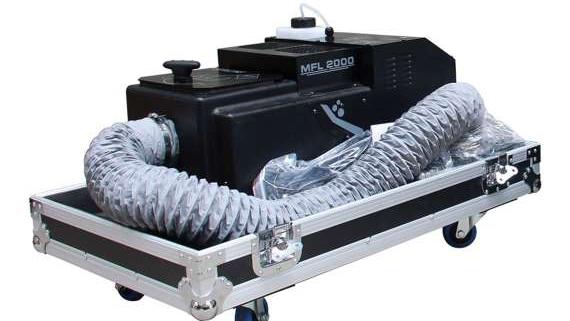 pack 1 x machine a fumee lourde mfl 2000 flight case 570x321 - Le lanceur de confettis CC1200 vous sera utile pour les animations camping, les anniversaires, les mariages et bien d'autre